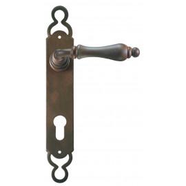 Kovaná kľučka na dvere model 2500