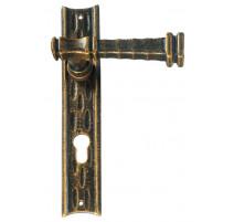 Kovaná kľučka na dvere model 2220