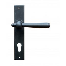 Kovaná kľučka na dvere model 2907
