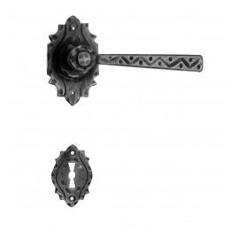 Kovaná kľučka ke dverim model 17