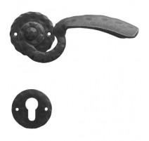 Kovaná kľučka ke dverim model 511