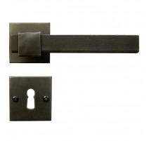 Kovaná kľučka ke dverim model 1829