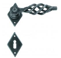 Kovaná kľučka ke dverim model 2301
