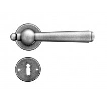 Kovaná kľučka ke dverim model 2901