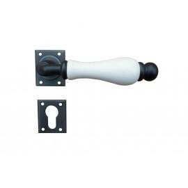 Kovaná kľučka ke dverim model 5-20