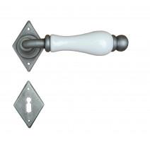 Kovaná kľučka ke dverim model 4-10
