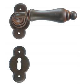 Kovaná kľučka ke dverim model 2501