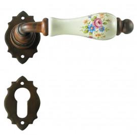 Kovaná kľučka ke dverim model 2601