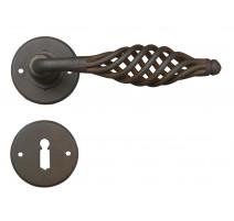 Kovaná kľučka ke dverim model 2799