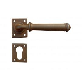 Kovaná kľučka ke dverim model 1901
