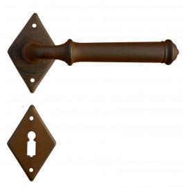 Kovaná kľučka ke dverim model 1903
