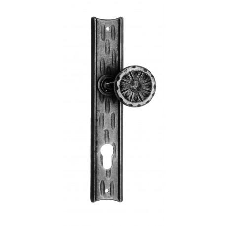 Kovaná guľa na štítu model 61 vyosená