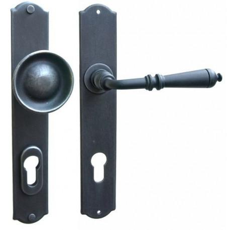 Kované ochranné kovanie na štíte model 4364