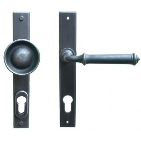 Kované ochranné kovanie na štíte model 4366