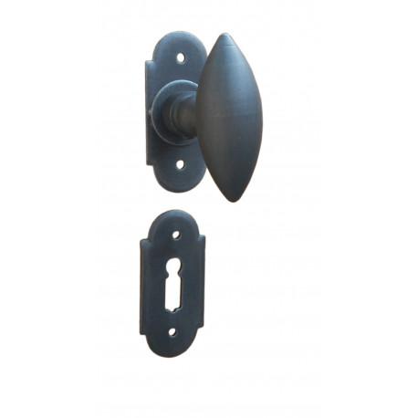 Kovaná kľučka k dverám model 1847